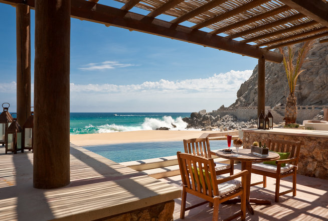 Stunning Beachfront Suites in Cabo!