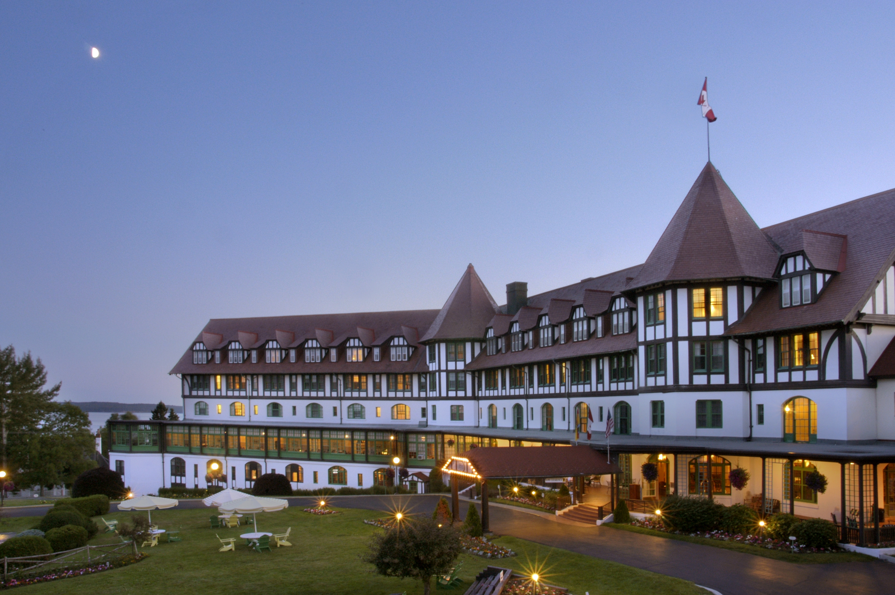 Algonquin Resort, Canadian Luxury Redefined | TRAVEL THERAPY